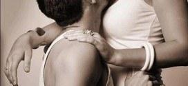 Romantic shayari- Muje apne jism ki khusbu